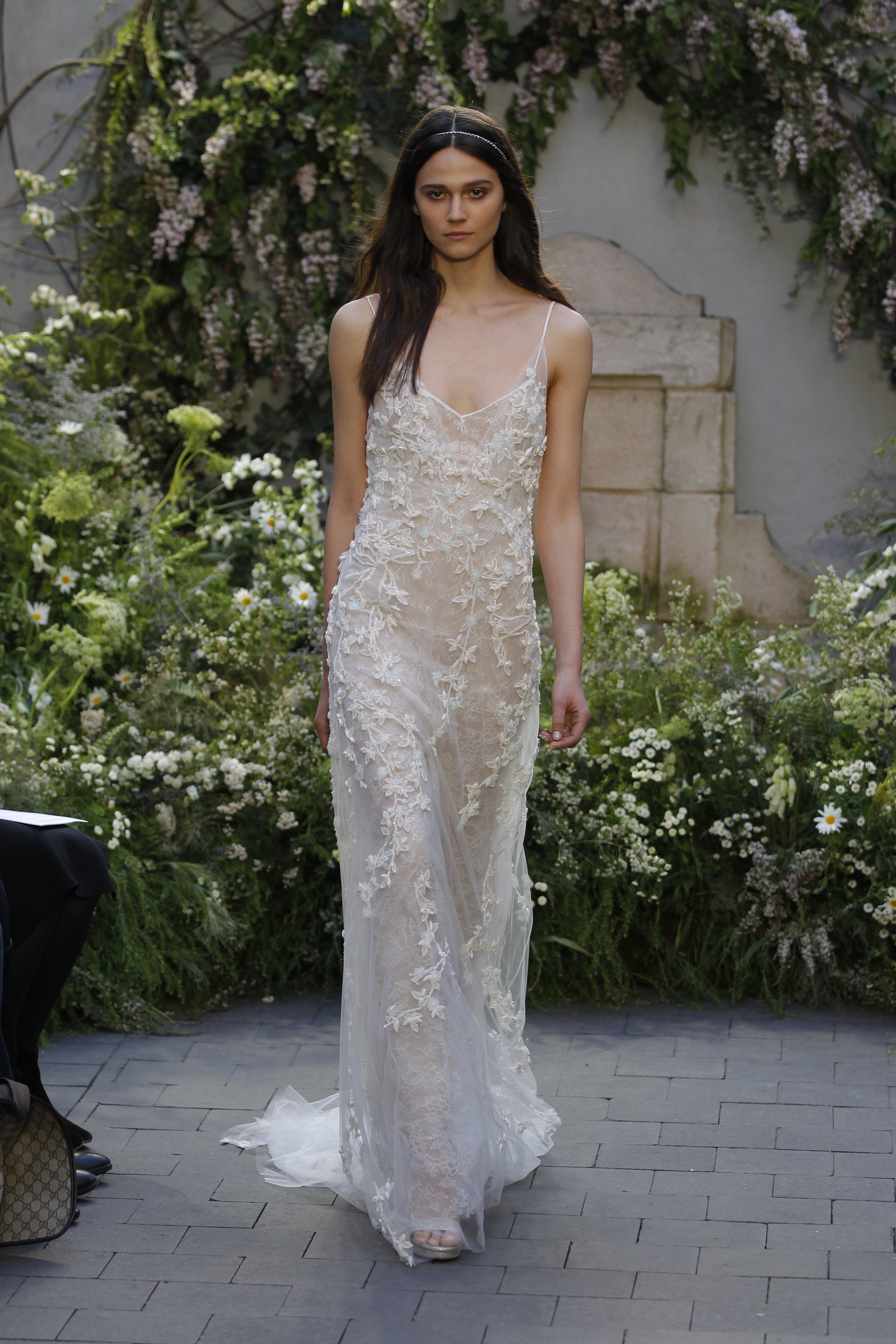 Monique Lhuillier Although A Newer Name On The Market As Compared To Fashion Giants Has Managed Attract Pretty Impressive Fan Base