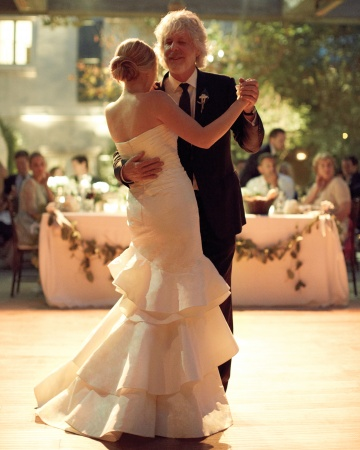 father-daughter-dance-mwd109296_vert
